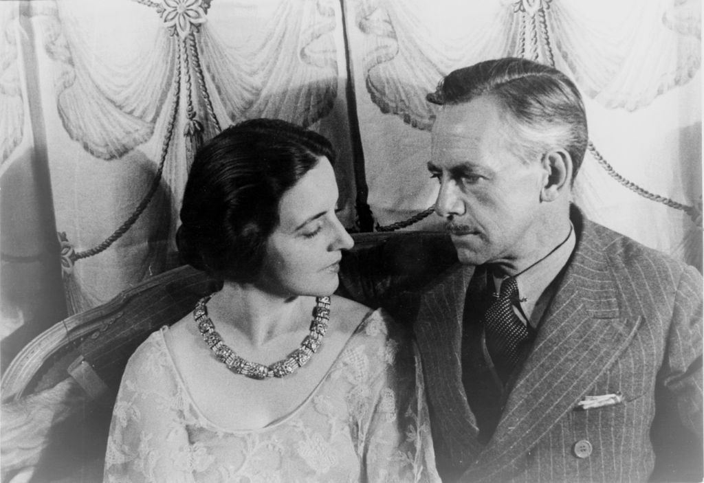 1024px-Portrait_of_Eugene_O'Neill_and_Carlotta_Monterey_O'Neill